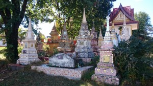 Lao graves